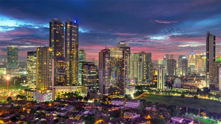 Индонезия выбирает новое место для столицы, как Джакарта медленно погружается в море