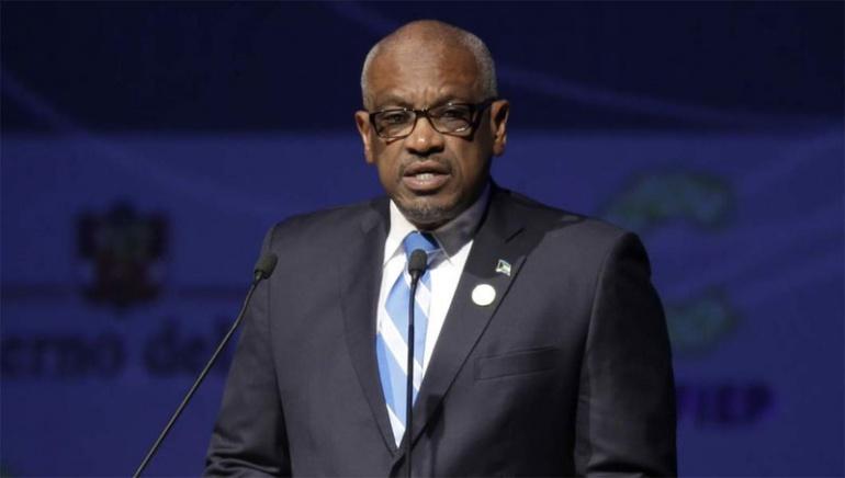 Премьер-министр Багамских Островов заявил, что жители острова могут воспользоваться бесплатными авиарейсами